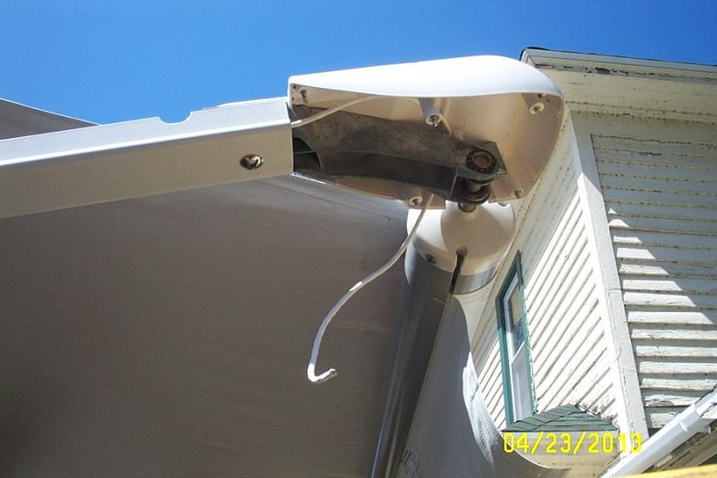 LED Awning Lights On 26BH W Electric