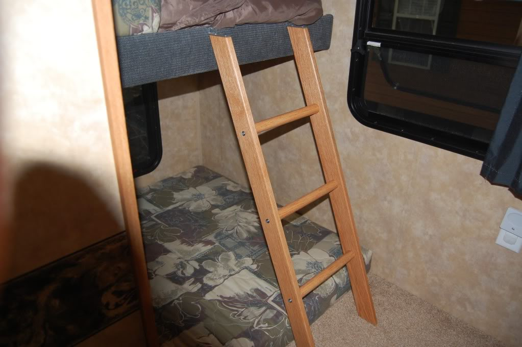 Bunk bed ladder page 2 jayco rv owners forum for Jay be bunk bed