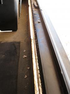 Gap cargo.jpg