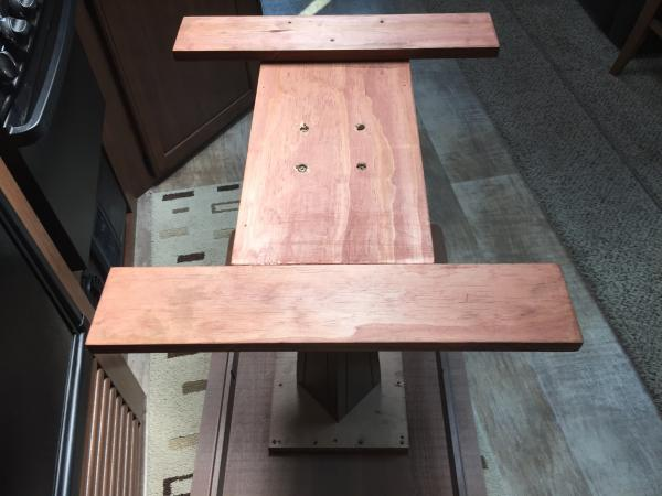 New dining table base with level adjustment