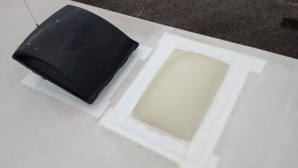 Eterna Bond bath vent and skylight (900x506) (2) (800x450)