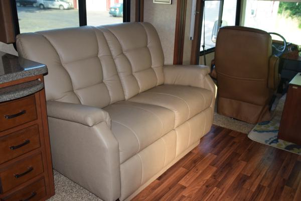 New double recliner with inside handle