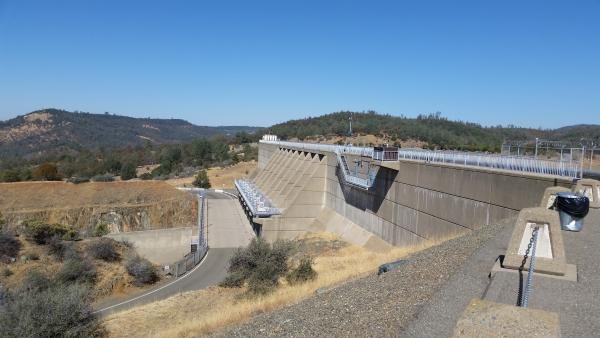 Lake Oroville spillway and road to the ramps.
