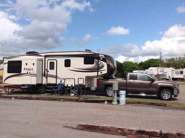 Our 2015 Jayco Eagle HT 27.5 and the GMC Sierra 1500 at the Cherokee Campground just off I-40 in Elreno, Oaklahoma