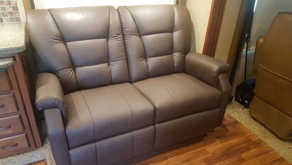 Lambright dual-recliner love seat.