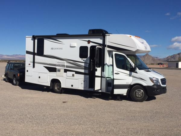 maiden voyage...Bend Or to Havasu City.....smooth quiet....rides very nice...very little sway or issues with wind....