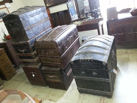 antique steamer chests Jefferson, Texas antique stores