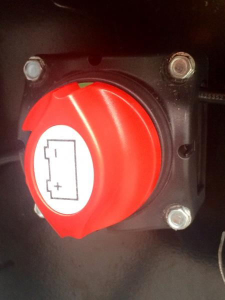 Installed a Marinco 701 battery cut-off switch.