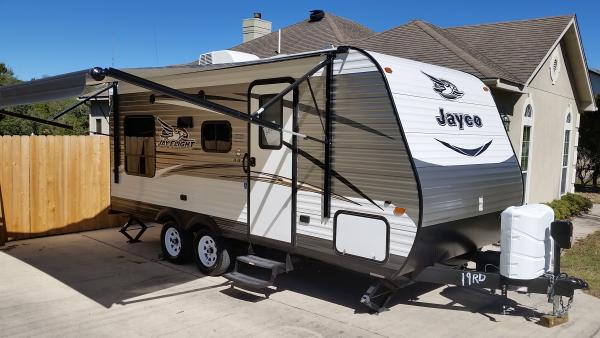2016 Jayco Jay Flight 19RD (15' awning open)
