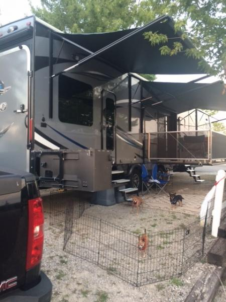 2016-Branson KOA camp setup.